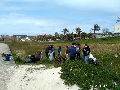 Jornada de eliminación de especies exóticas invasoras en Baltar